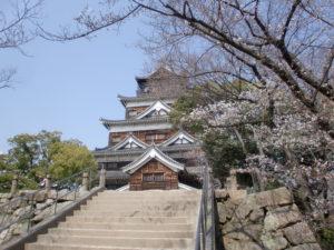 春の広島城