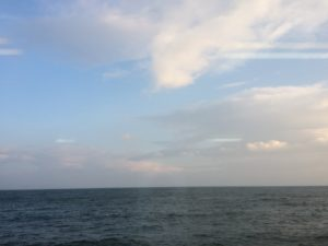 伊勢の潮香苑の朝食会場から見える海