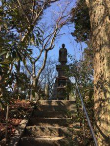 如意輪寺の境内の階段