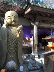 如意輪寺の丸みのある観音様