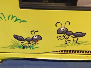 セサミストリート風の蟻