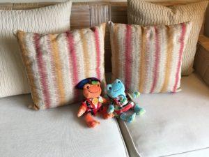 ザ・ブセナテラスの部屋のソファ