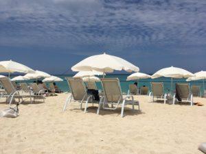 ザ・ブセナテラスの晴れた日のビーチと空