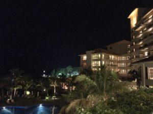 ザ・ブセナテラスの夜の外観