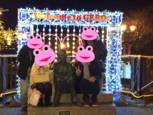 下呂温泉の白鷺橋のチャップリン像