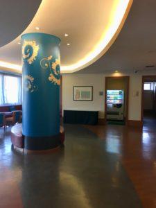ロワジールホテル那覇別館のフロント