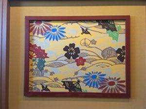 ロワジールホテル那覇の廊下の沖縄っぽい絵
