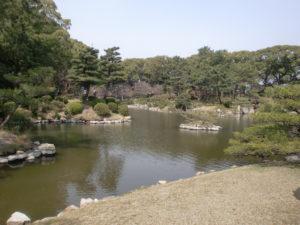 縮景園の水辺の景色