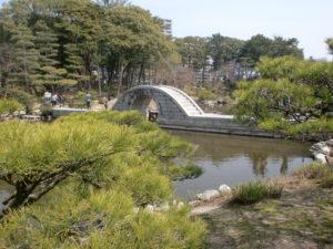 縮景園の石の橋