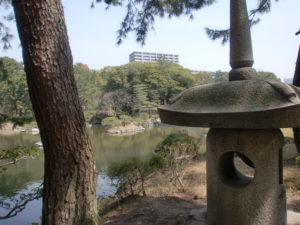 縮景園の石灯篭