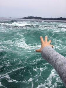 鳴門で船に乗った時の海の様子3