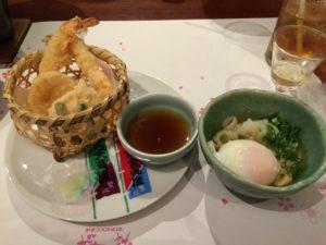 桜の抄の夕食のうどんと天ぷら