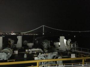 フェリーさんふらわあから見た夜の明石海峡大橋