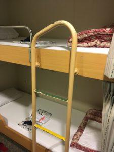 フェリーさんふらわあのスタンダード客室の2段ベッド