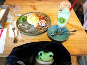 かえるのピクルス大阪イベント2019コラボカフェとかばんの中のかえる