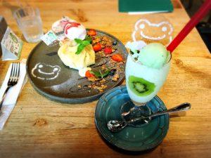 かえるのピクルス大阪イベント2019コラボカフェのクレープとラッシー