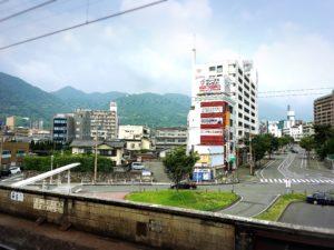 別府駅ホームから見た景色