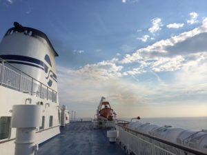 太平洋フェリーで見た空と海