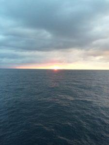 太平洋フェリーで見た日の出