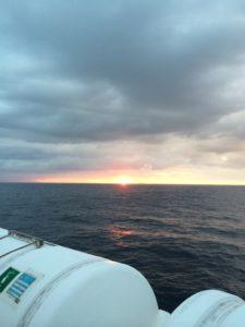 太平洋フェリーで見た日の出2