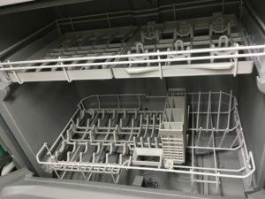 食洗機の内部