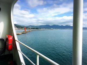 宇和島フェリーから見た海