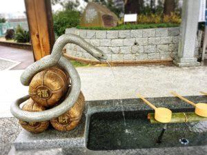 岩國白蛇神社の手水舎