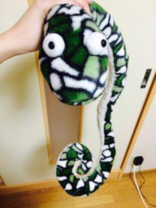 緑色の蛇のぬいぐるみ