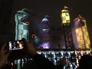 ユニバの夜のパレードのハリポタ魔法使いゾーンの様子