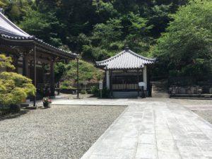 東光寺の境内