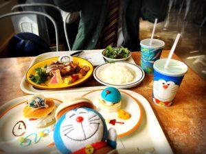 スタジオスターズレストランのSTAND BY MEドラえもん2コラボの食事